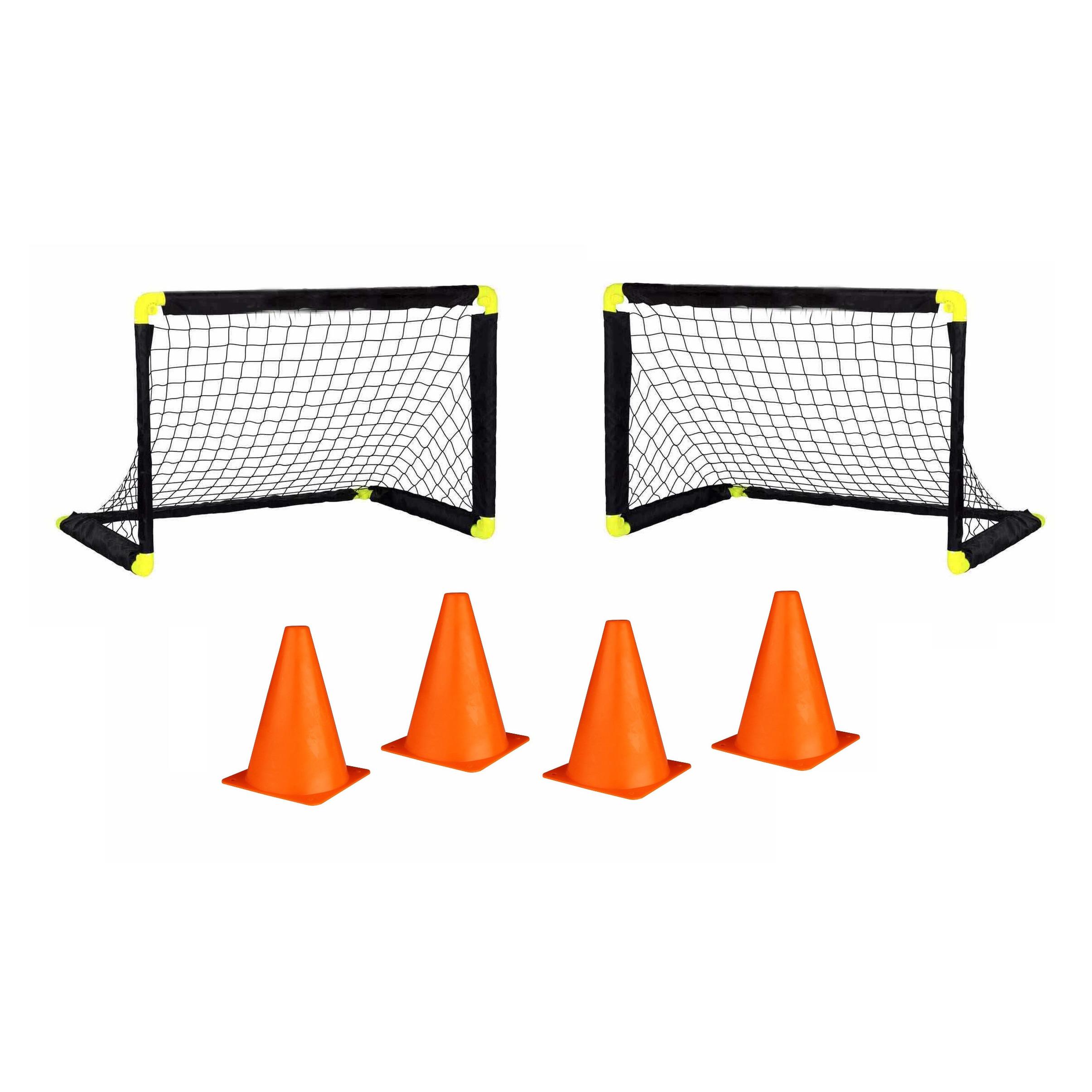 2x voetbal goals doelen set met 4 oranje pionnen